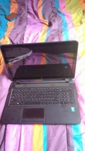 A slightly used HP laptop - 2 months old pic 2