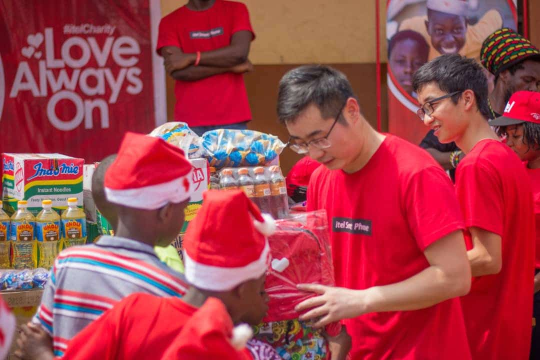 Itel mobile Ghana surprises children at Street Academy