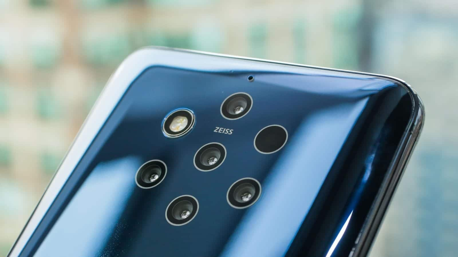 smartphones with a 48MP camera lens