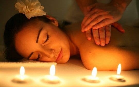 Candle Massage: Benefits and types of massage therapy with candle
