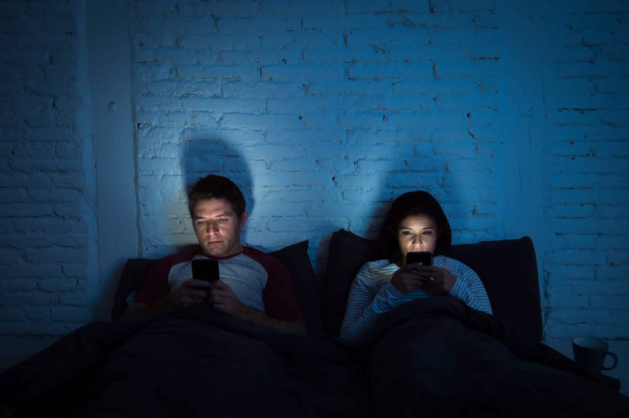 How social media affects and influences today's relationship