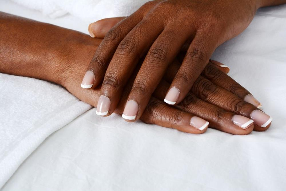 How to use shea butter to clear your dark knuckles