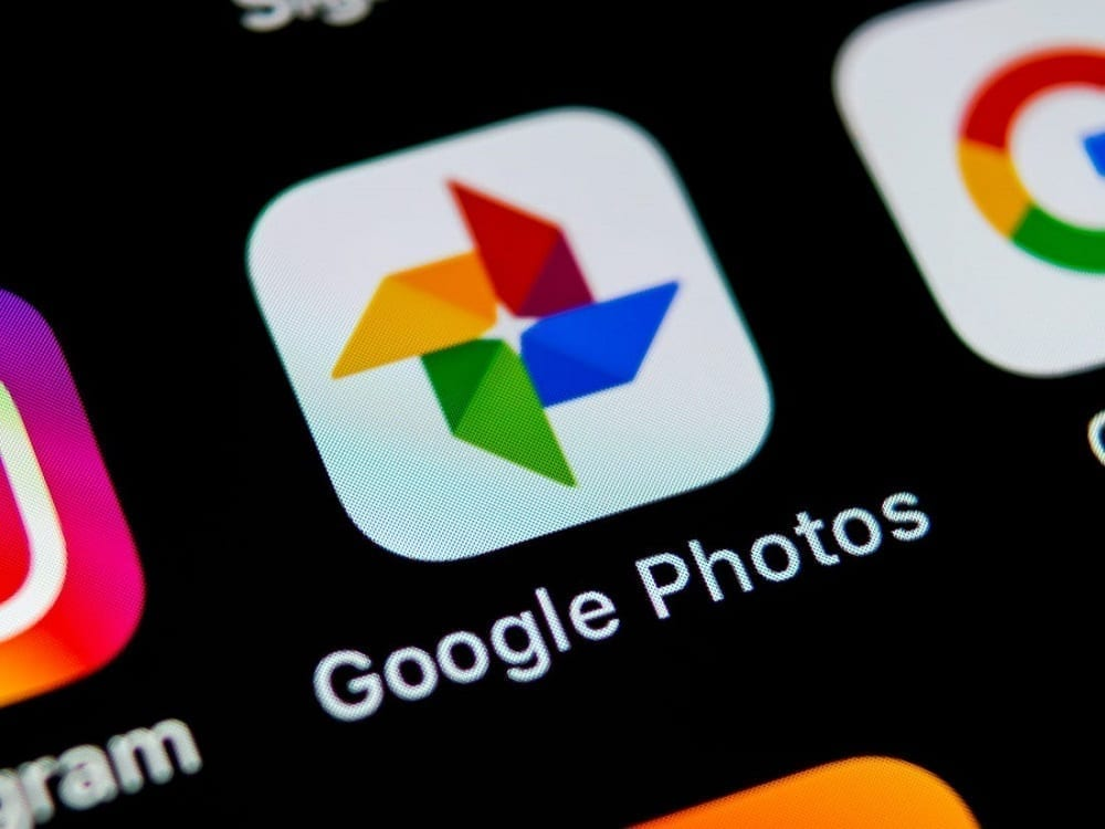 Google adds chat feature to Google Photos app