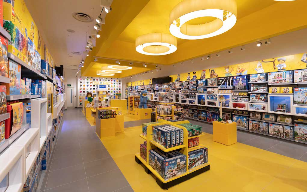LEGO Store is offering free Christmas sets in South Africa