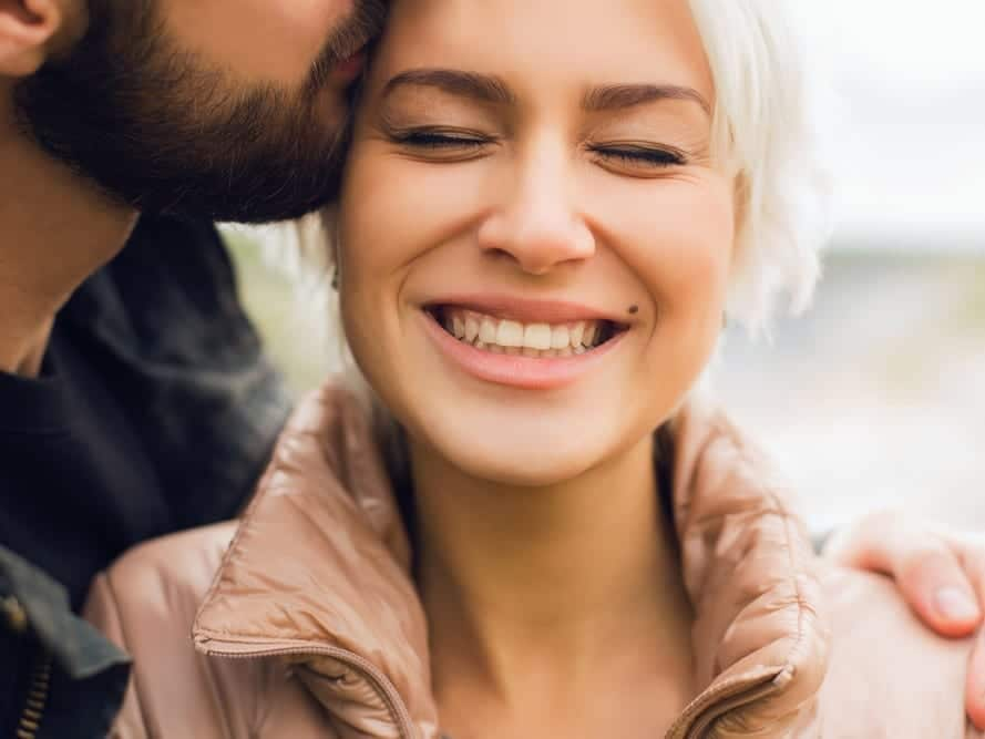 Here's how to keep a girl interested in you