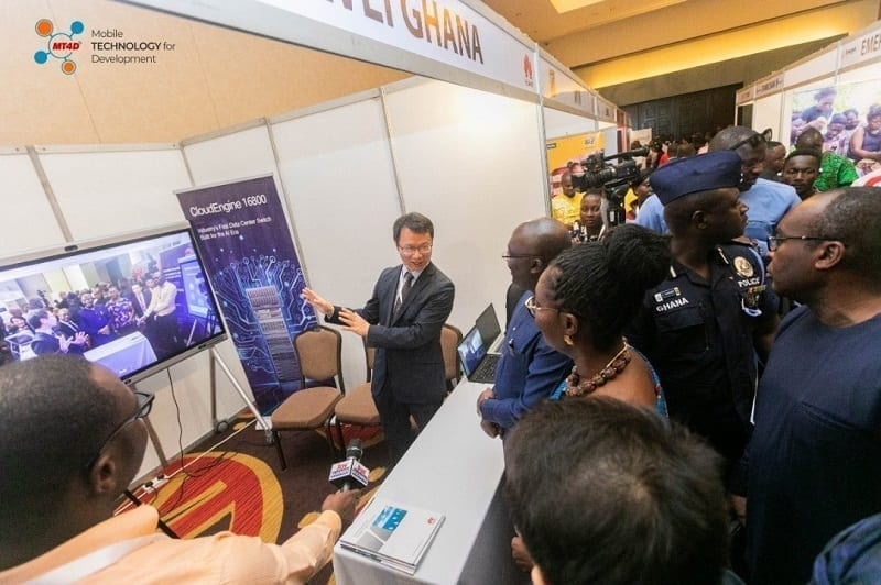 Huawei showcases innovative Cloudlink Solution to Vice President