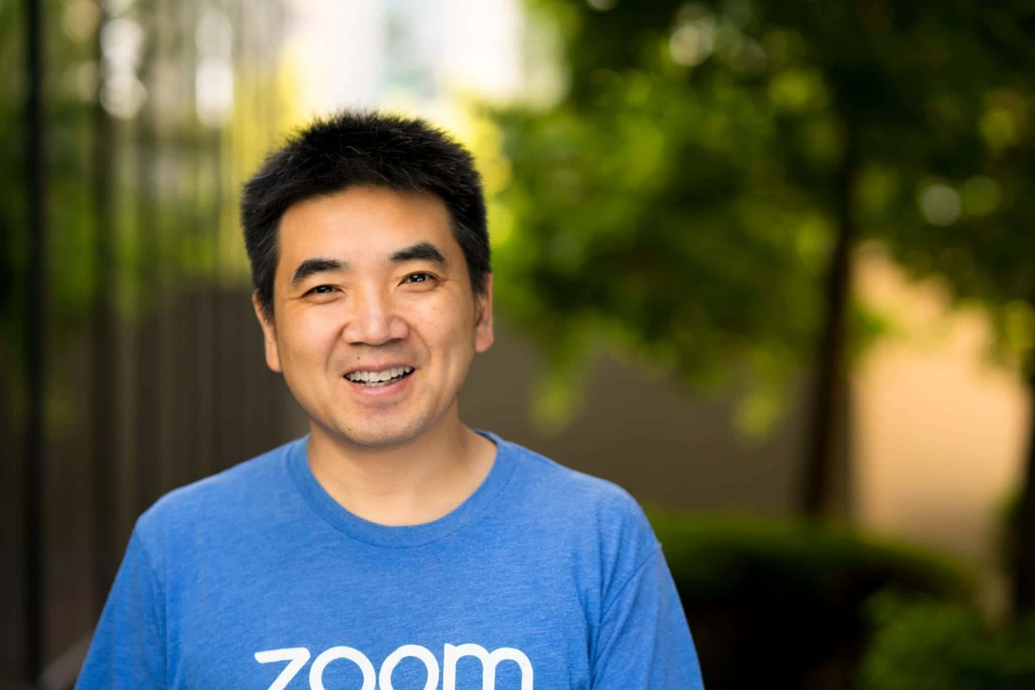 Zoom attracts 300 million active users in one month