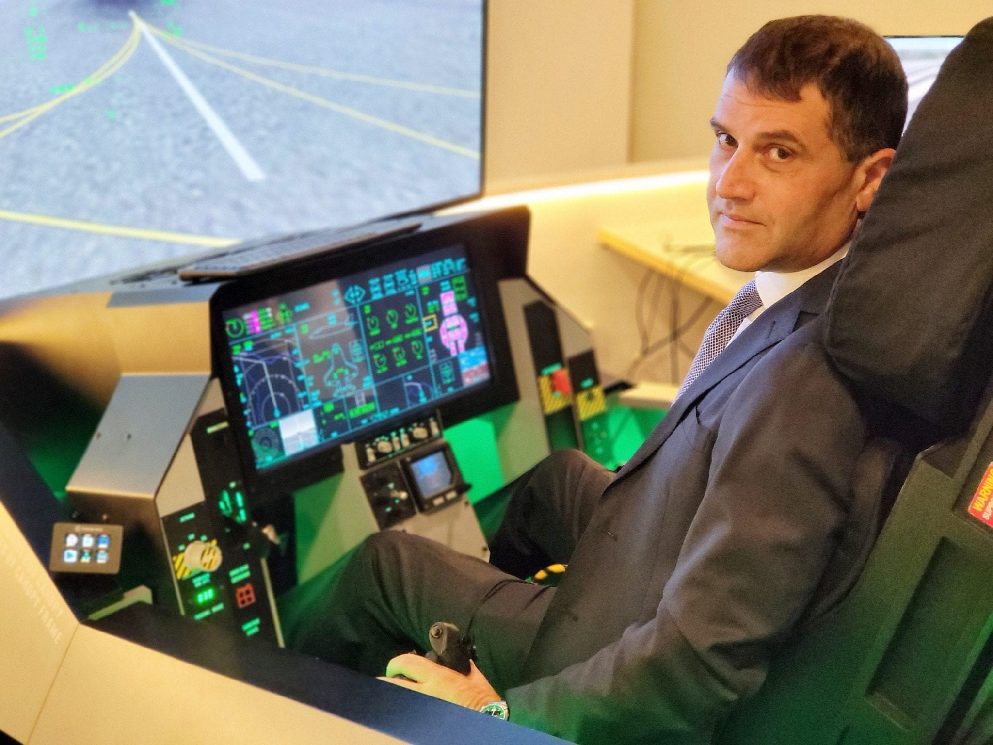 Israeli Air Force pilots share the thrill of flying, lessons learned at new online flight simulator center of excellence